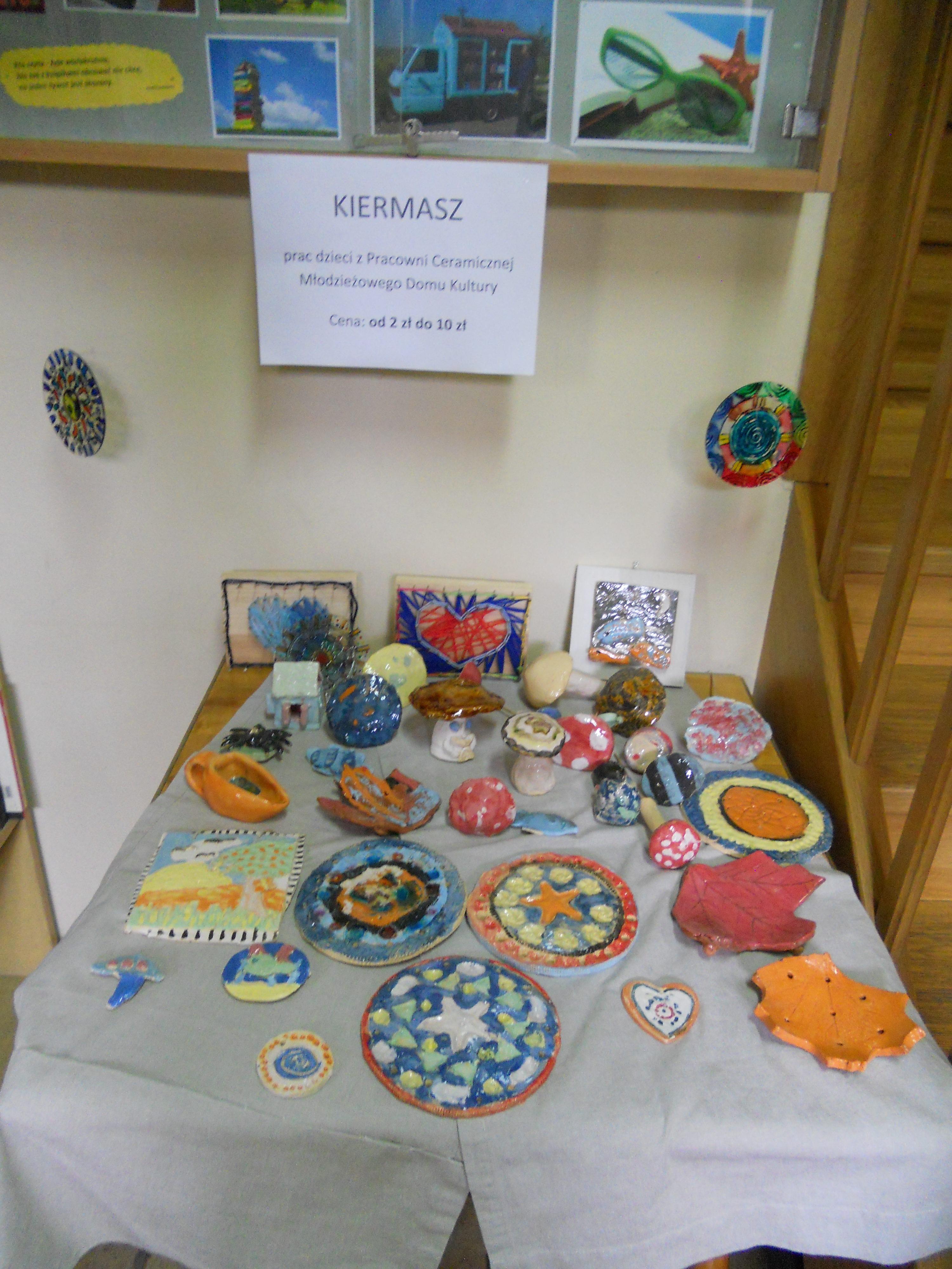 Wystawa prac dzieci z Młodzieżowego Domu Kultury 8